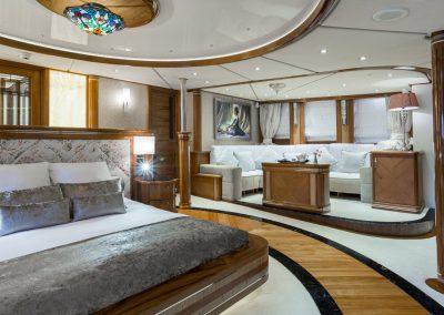yacht legend 201611 interior 13 583d4b3a9f965 v default big