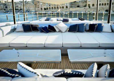 yacht-sarastar