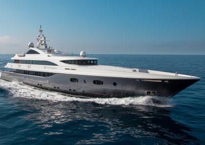 yacht-turquoise